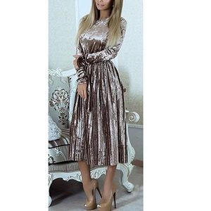 Dresses & Skirts - Vintage Style Belted Pleated Velvet Dress